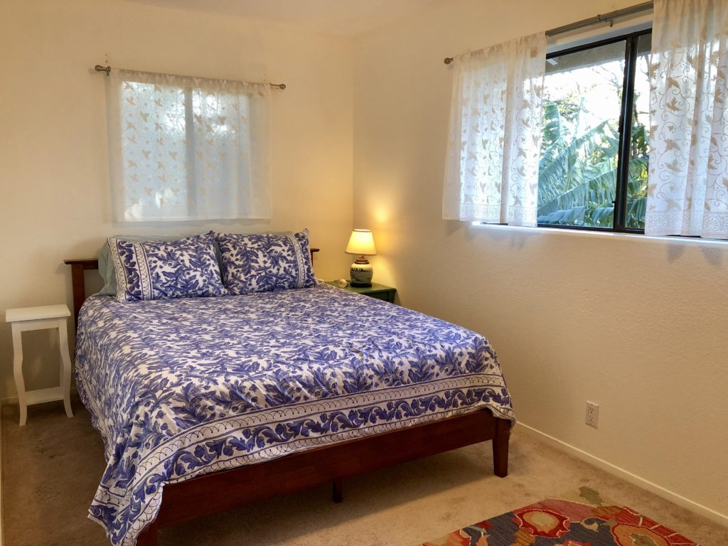 maui cottage, vacation rental, queen bed,